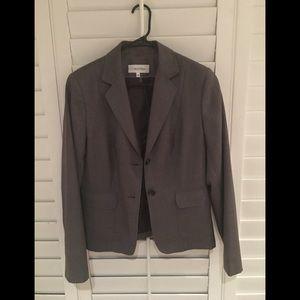 Women's Calvin Klein two-button blazer. 2 pockets.
